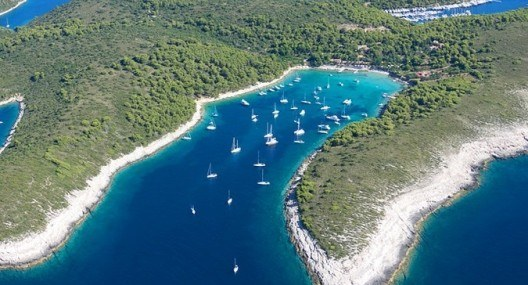 Sail Croatia: Your guide to choosing a sailing route