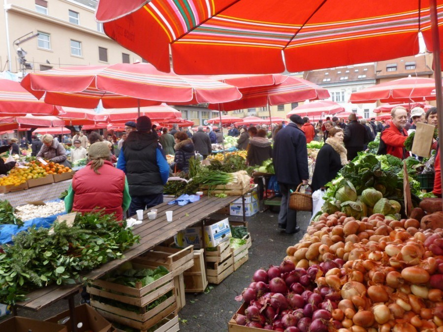 Where to go in Croatia | Dolac Markets Zagreb | Travel Croatia Guide