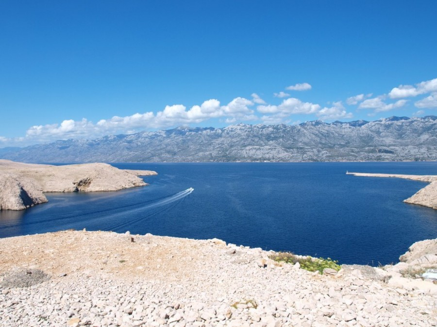 Choosing a sailing route Island of Pag - Chasing the Donkey #Croatia