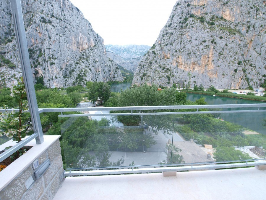 Hotel-Villa-Dvor-Room-with-balcony-and-canyon - Chasing the Donkey Croatia