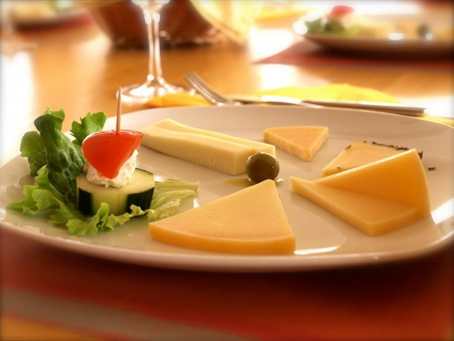 Pag Island Paski Sir tasting cheese plate | Chasing the Donkey Blog
