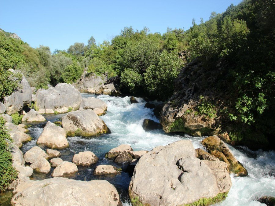 Cetina River flowing - Travel Croatia like a local