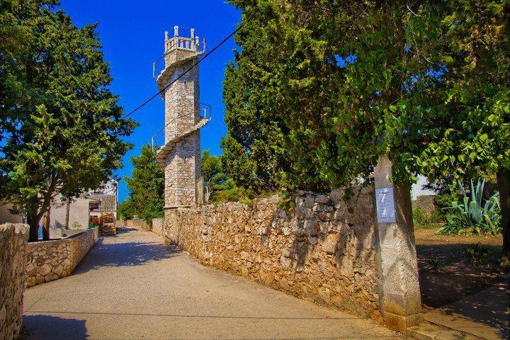 Travel Croatia - Silba Island walk