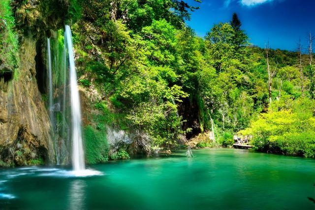 travel to croatia - vacation in croatia - plitvice lakes 3