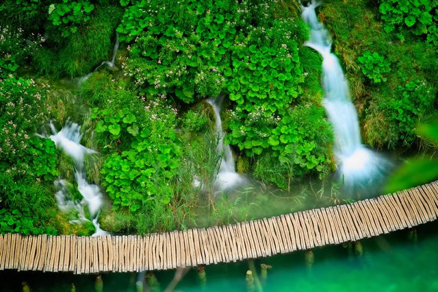 travel to croatia - vacation in croatia - plitvice lakes 4