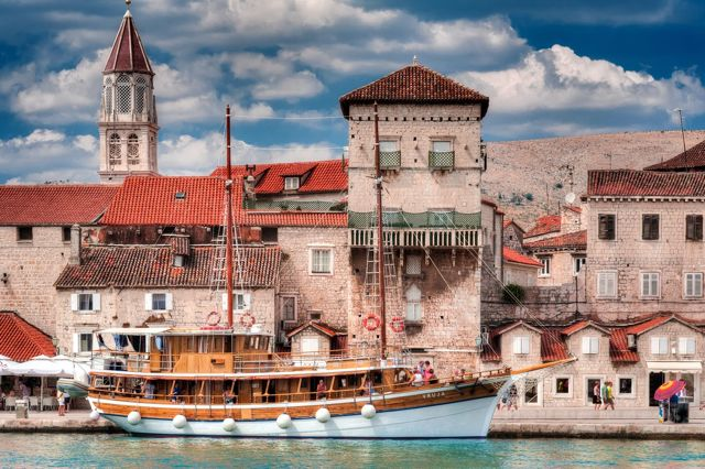 travel to croatia - vacation in croatia - trogir 2