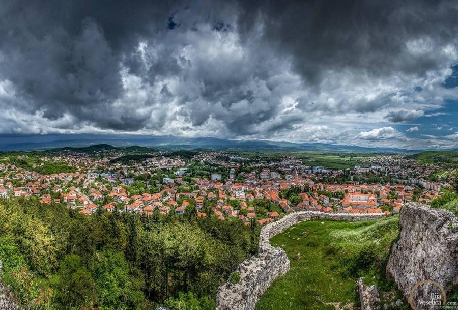 Looking above Sinj - Travel Croatia like a local