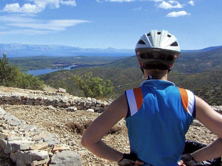 A cycling holiday to Hvar Island 3