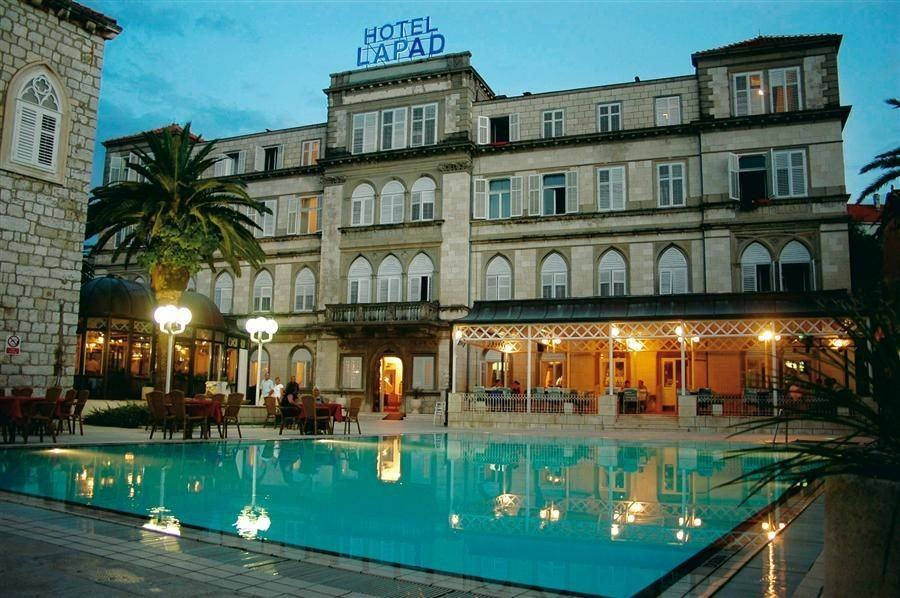 Hotels in Dubrovnik with Inviting Pools_Hotel Lapad | Croatia Travel Blog