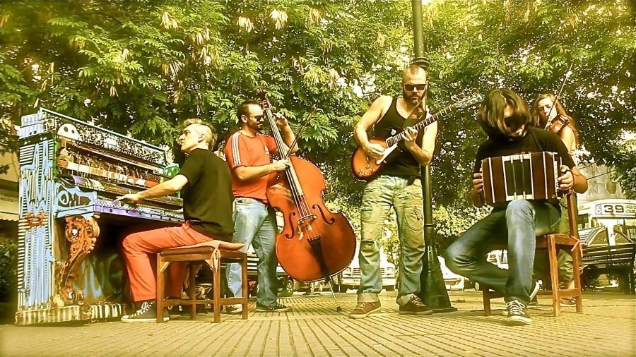 Argentinian El Cachivache Quintet. Photo Credit The Lemonade