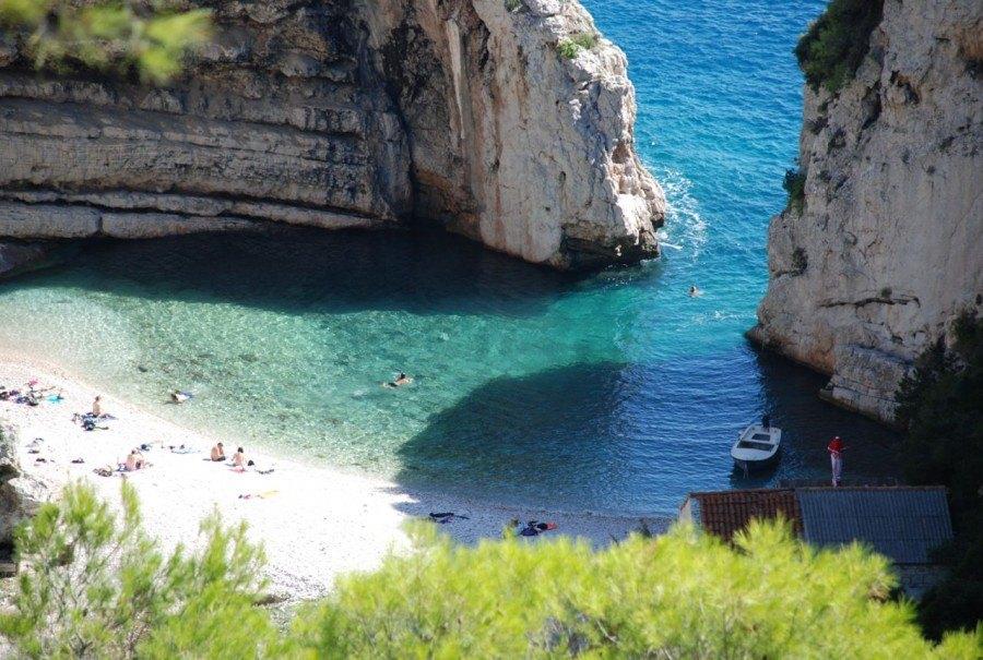 Stiniva Beach, Vis | Croatia Travel Blog
