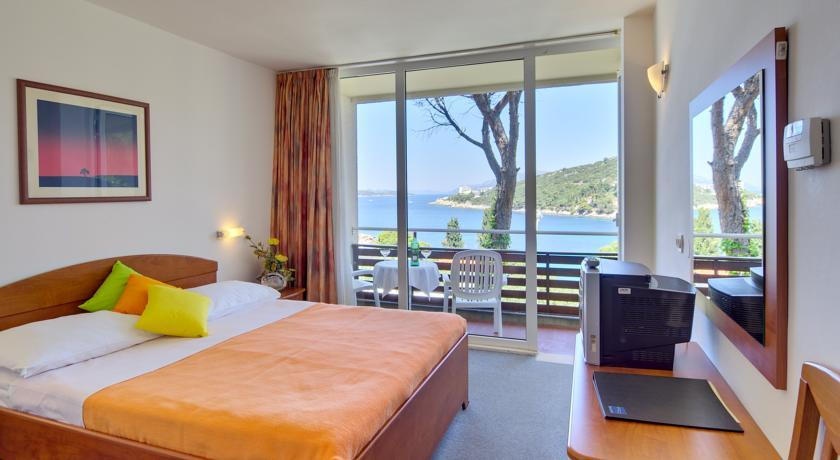 Best places to stay in Dubrovnik - Hotel Adriatic | Dubrovnik Travel Blog