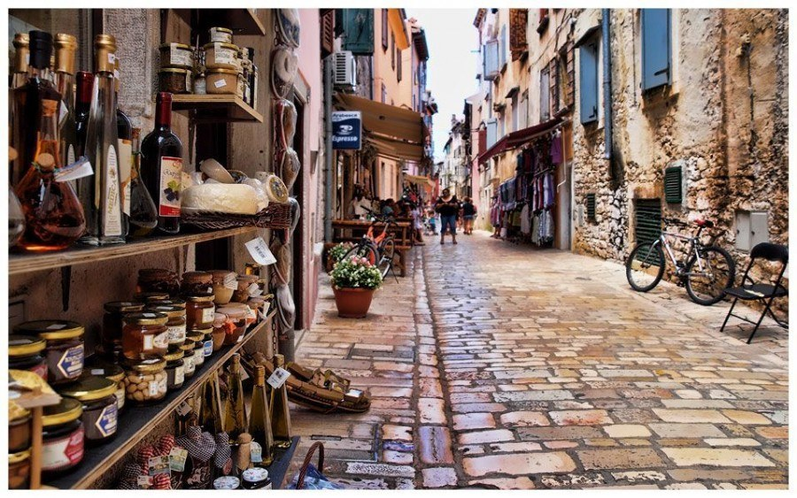 Street | Things to do in Rovinj Travel Blog | Croatia Travel Blog