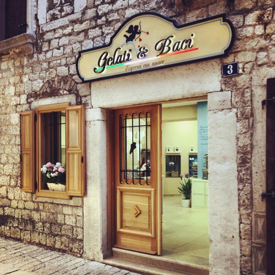 Gelati & Baci Porec | Croatia Travel Blog