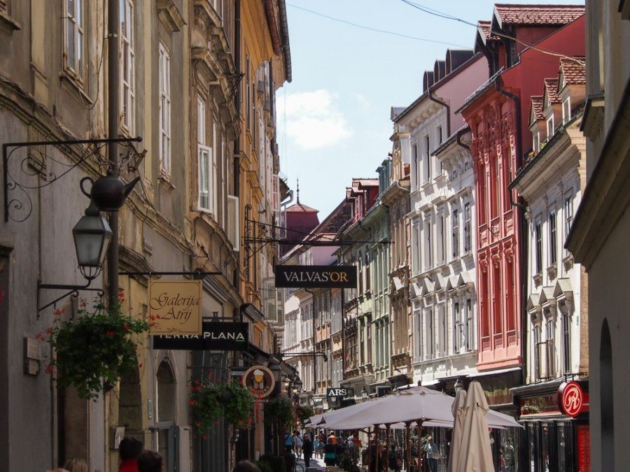 Things to see in Ljubljana | Pastel-colored buildings, Old Town of Ljubljana | Slovenia Travel Blog