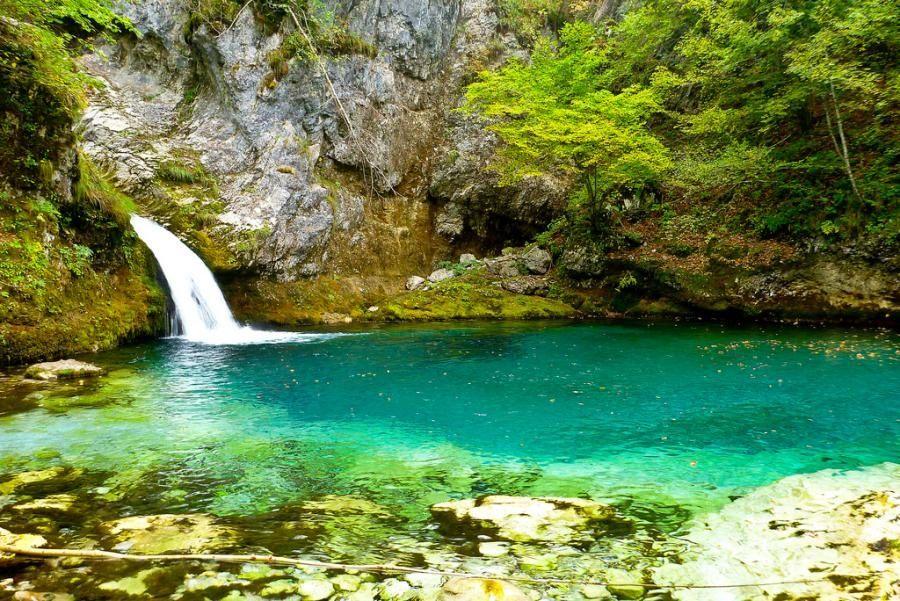 syri-kalter-albania_albania-travel-blog