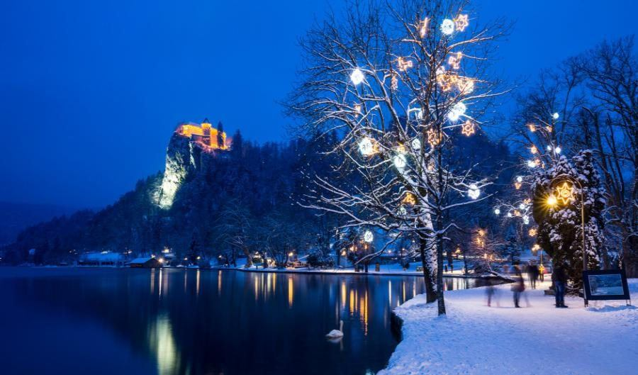 winter_lake_bled-slovenia_travel_blog