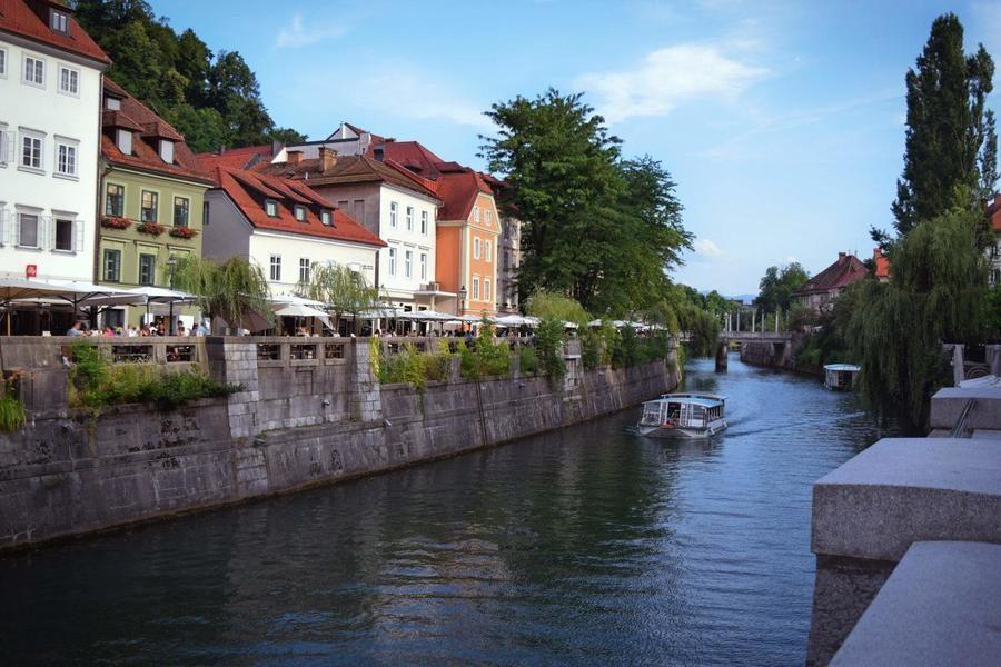What to do in Slovenia_ljubljana-river_Slovenia Travel Blog