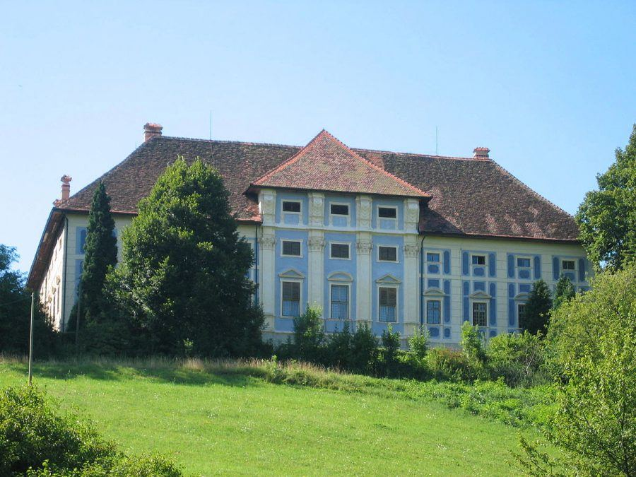 Castles in Slovenia_Statenberg Mansion Castle