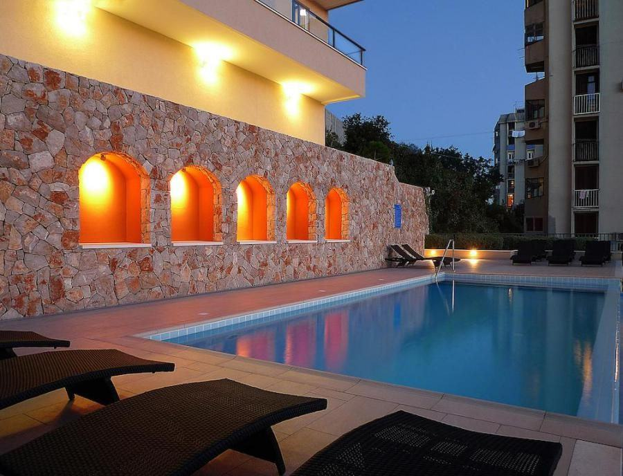 Hotels in Dubrovnik with a Pool_Hotel Adria_Croatia Travel Blog