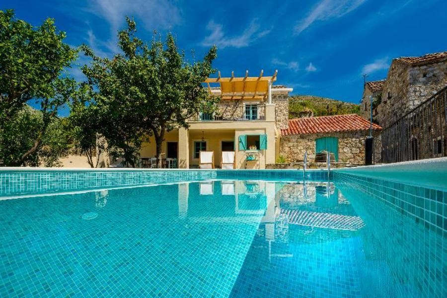 Hotels in Dubrovnik with a Pool_Rustic Stone Villa Begovi Dvori_Croatia Travel Blog