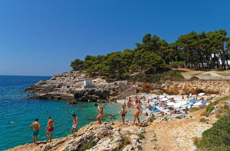Croatia Travel Blog_Best Beaches in Istria_Hawaiian Cove Beach
