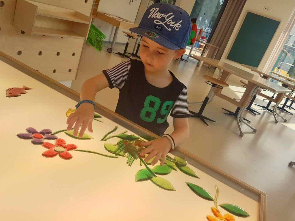 Family Hotel Amarin: Playing Games