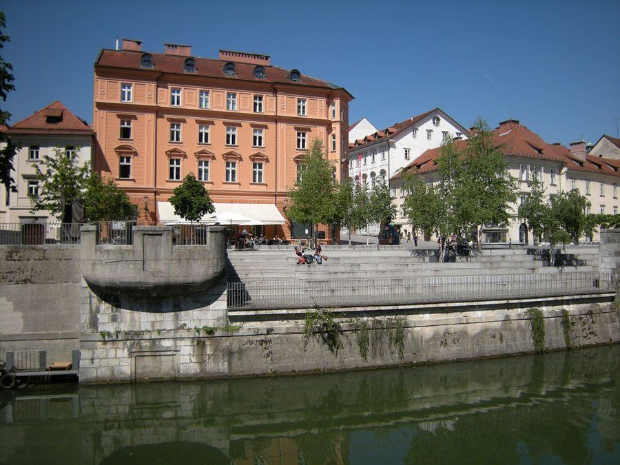 Things to do in Slovenia_The Bridges of Ljubljana_River bank