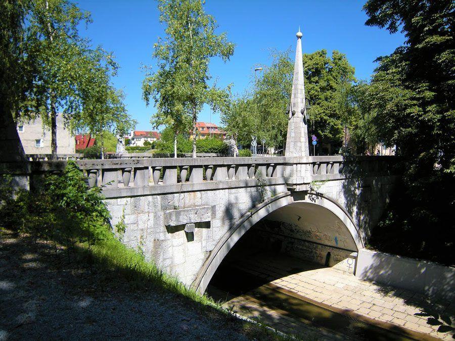 Things to do in Slovenia_The Bridges of Ljubljana_Trnovo bridge