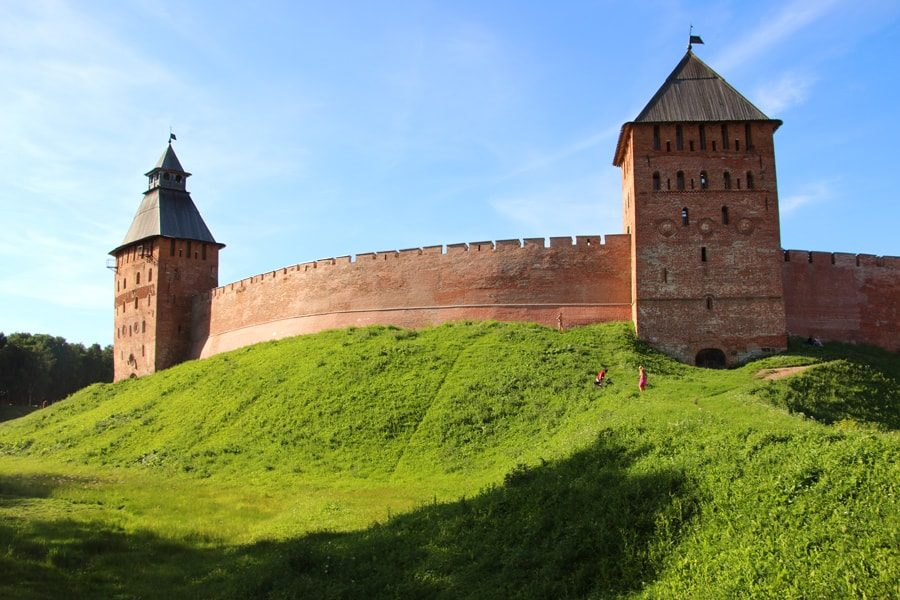 Russia Travel Blog_The Best Two Week Russia Travel Itinerary_Novgorod-Kremlin