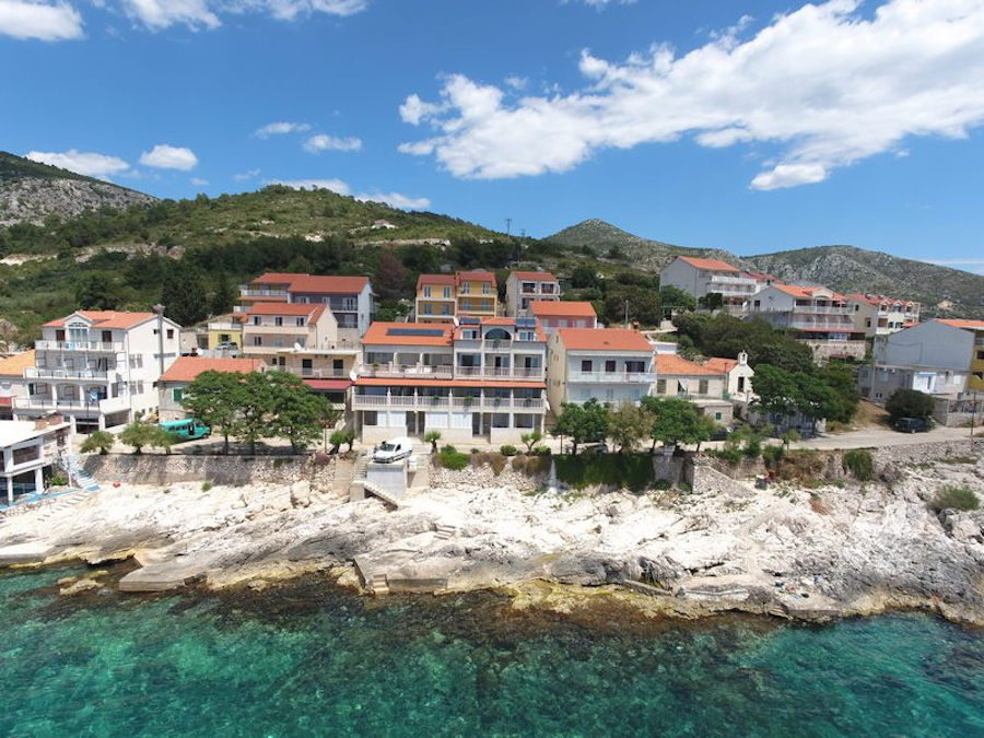 Croatia-Travel-Blog_Things-to-do-in-Croatia_Where-to-stay-on-Hvar_Apartments-Mario-Tudor