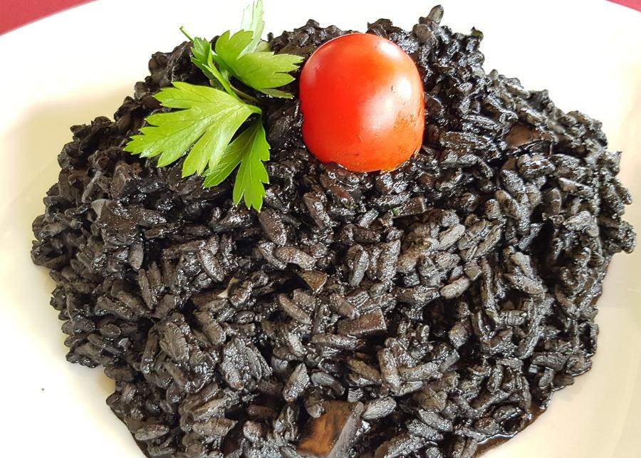 Traditional-Croatian-Food_Black-Rice_Crni-Riso