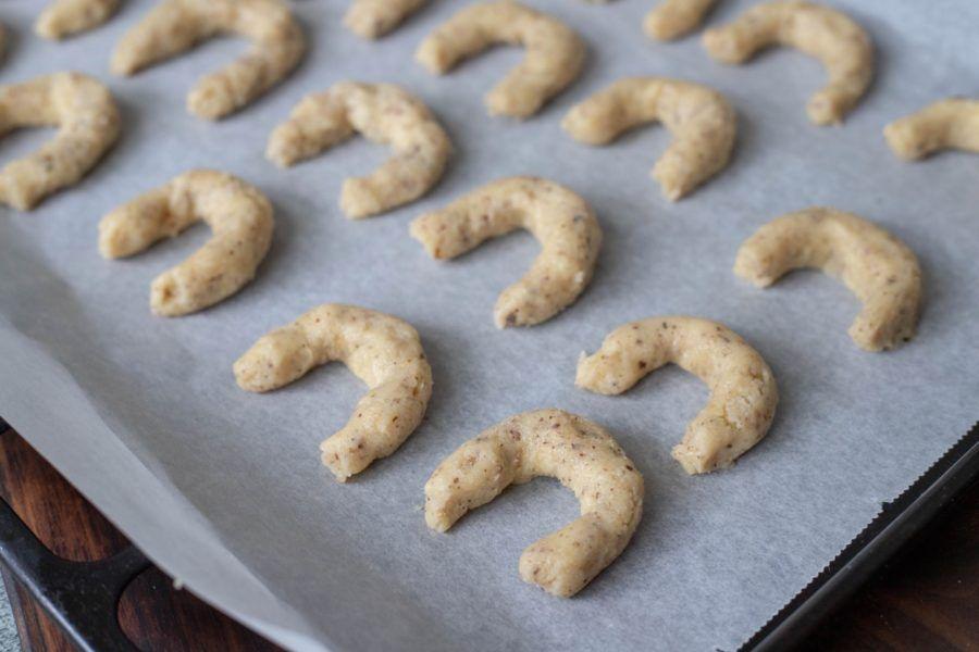 How To Make Vanilin Kiflice Vanilla Crescent Cookies Recipe 4 (1)