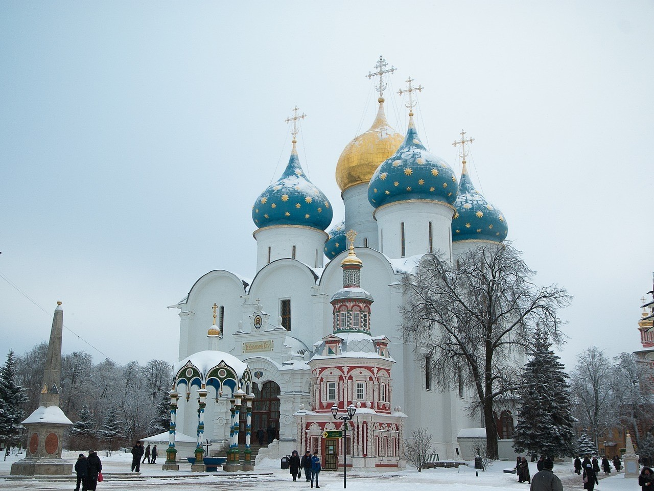 Best Places To Visit In Russia_The-golden-ring-sergiev-posad