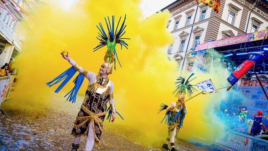 Rijeka Carnival_Yellow