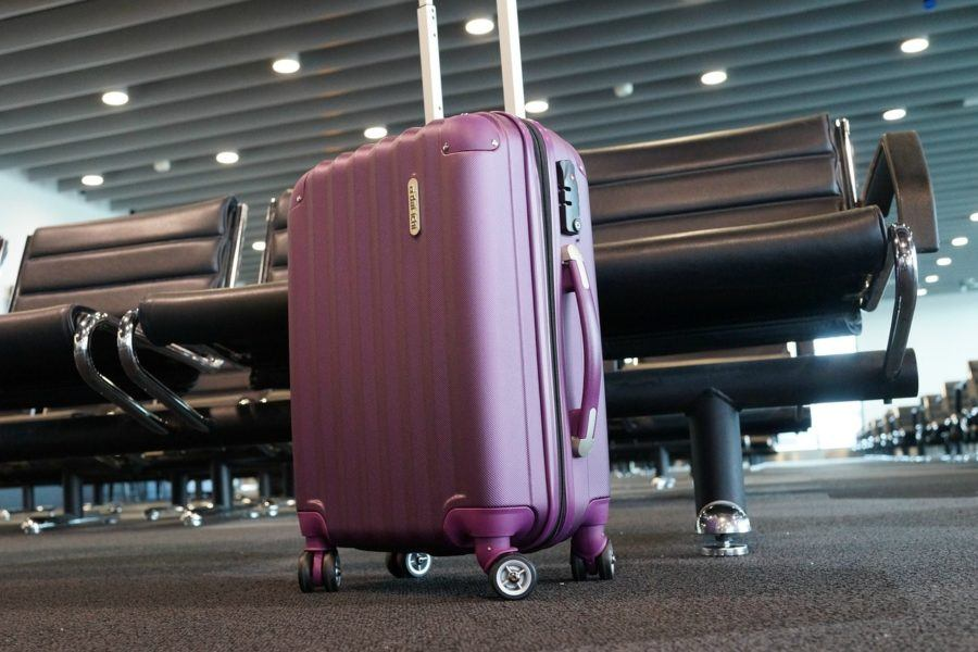 Luggage at the Airport_Best Travel Scales for Luggage Reviews_COVER