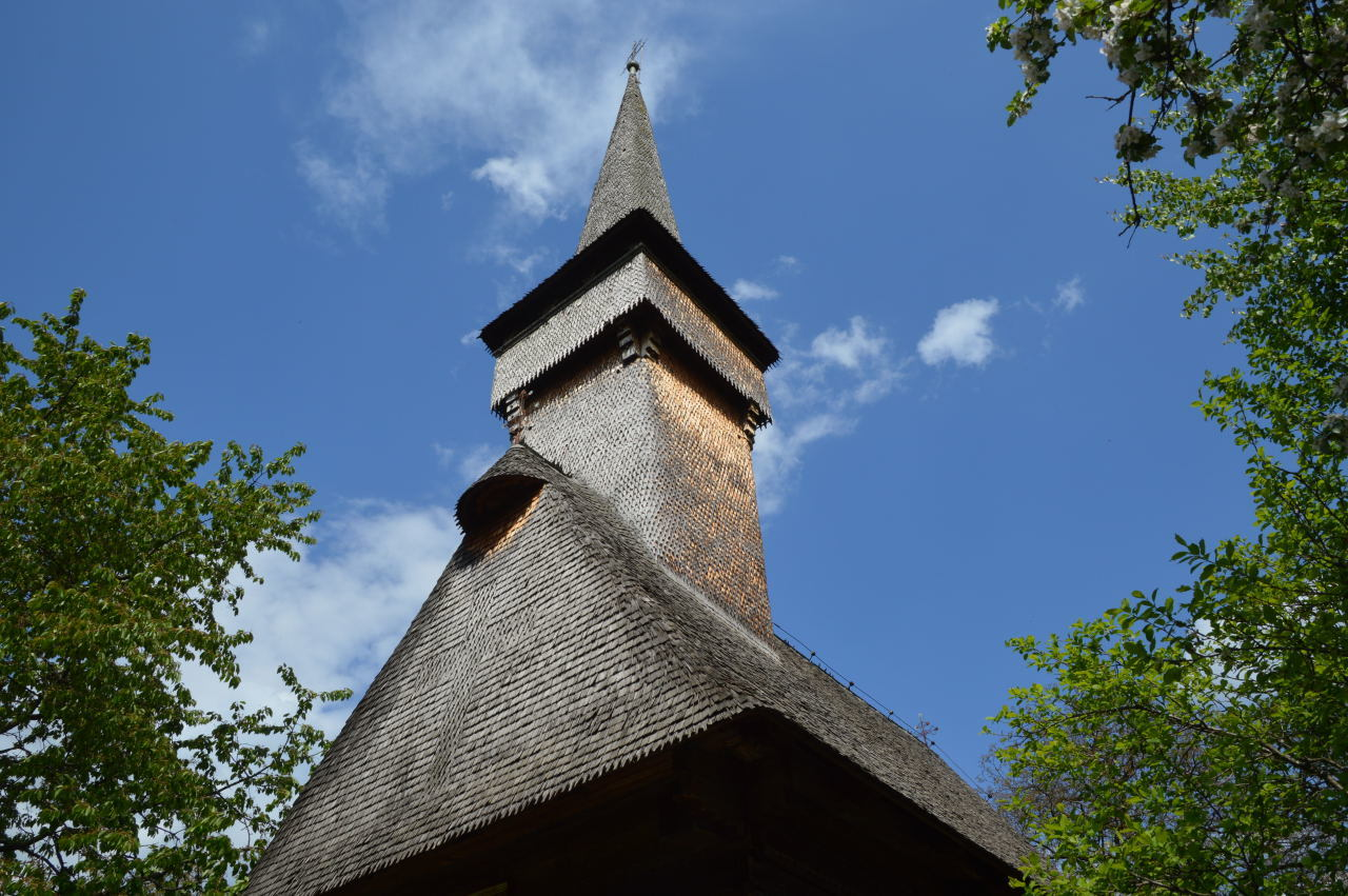 Things To Do In Maramures Romania_Desesti wooden church