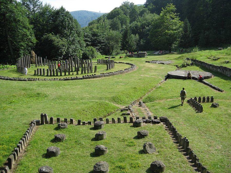 Dacian-Fortresses-of-the-Orăștie-Mountains_960px-Sanctuarele_de_andezit