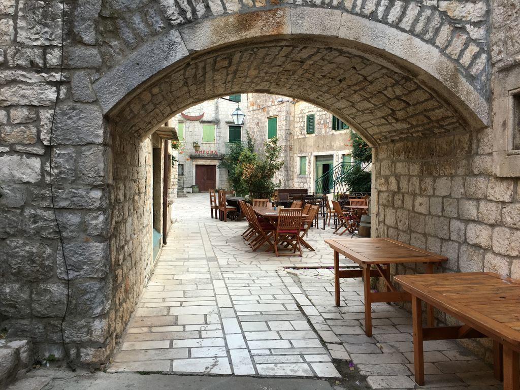 Stari Grad arch