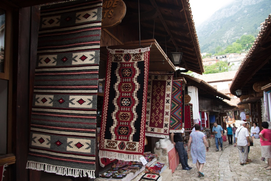 What To Buy In Albania - Carpets in Kruje