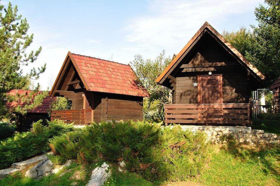 Croatia Travel Blog_Where to Stay Near Plitvice Lakes_Bungalows Korana – Campsite Korana