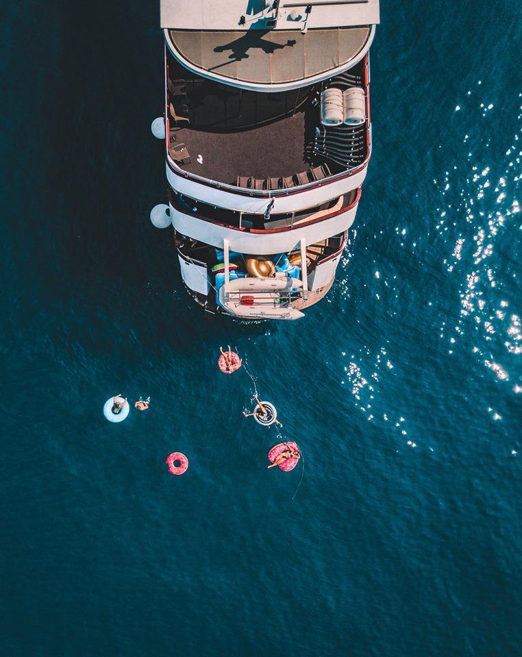 Horizon Sail - Boat Above View