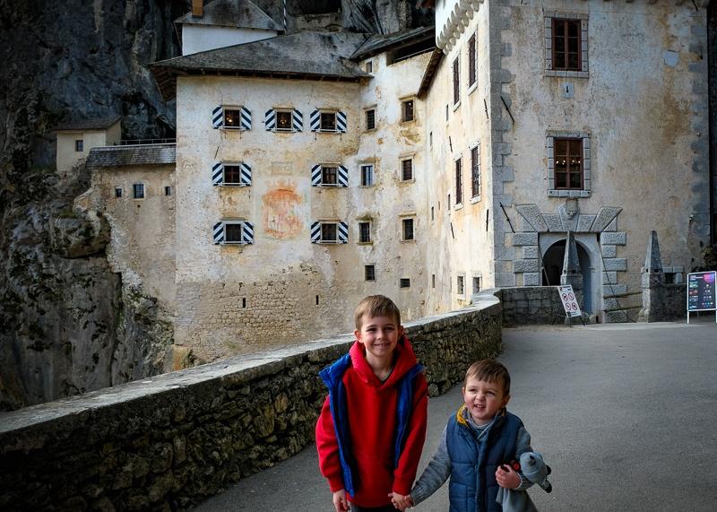 3 days in Slovenia - Predjama Castle with kids