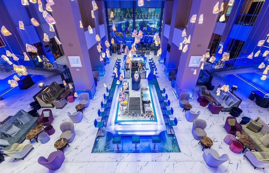 Romania-Travel-Blog_Luxury-Hotels-in-Romania_The-Radisson-Blu-Bucharest