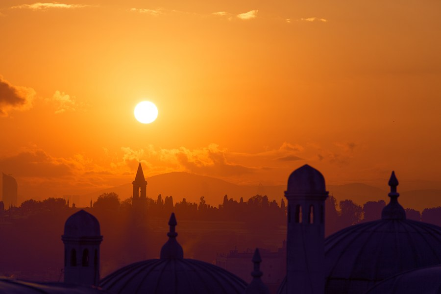 Best Things To Do In Istanbul - Topkapi palace at dawn Istanbu