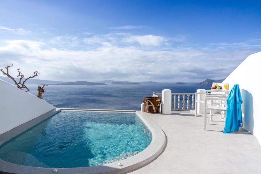 Greece Travel Blog_Where To Stay In Santorini Greece_Filotera Suites