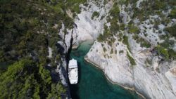 HVARBOATS_Enzo in smallest beach, island of Vis