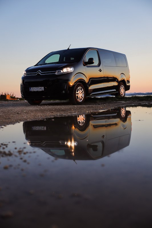 PRIVATE TRANSFERS CROATIA_BLACK VAN