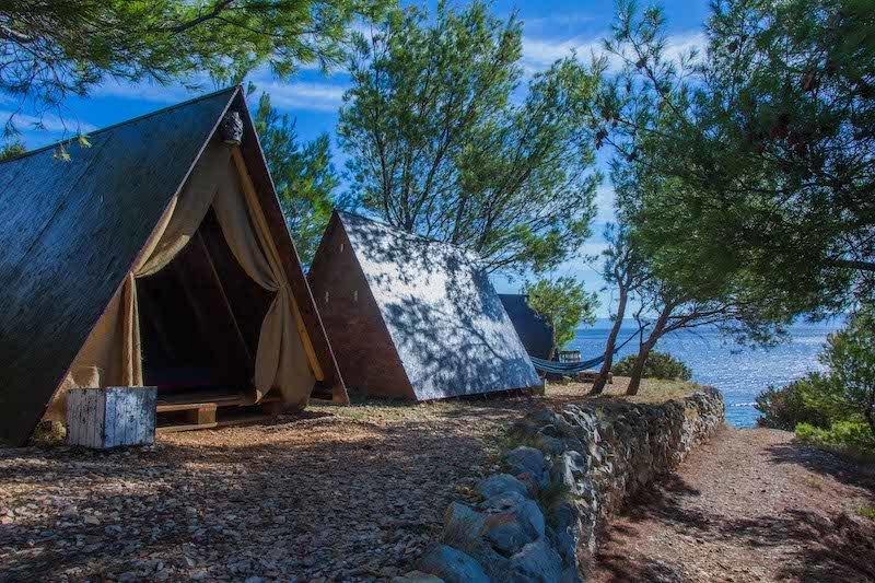Dove Dormire A Hvar Croazia Per Tutte Le Tasche Nel 2021 Inseguendo L Asino