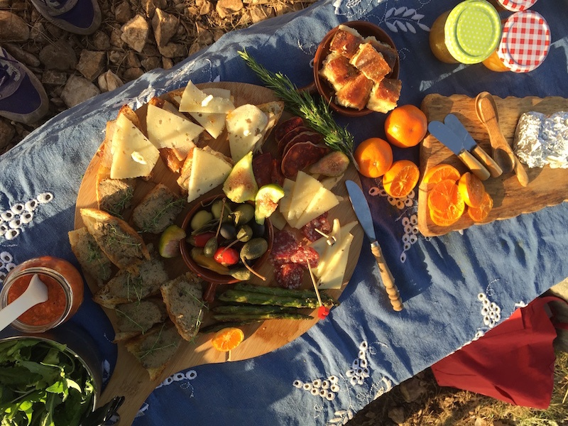 SOCIAL DISTANCING IN CROATIA_Plater in the sun